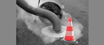 Réseaux d'assainissement : tests à la fumée