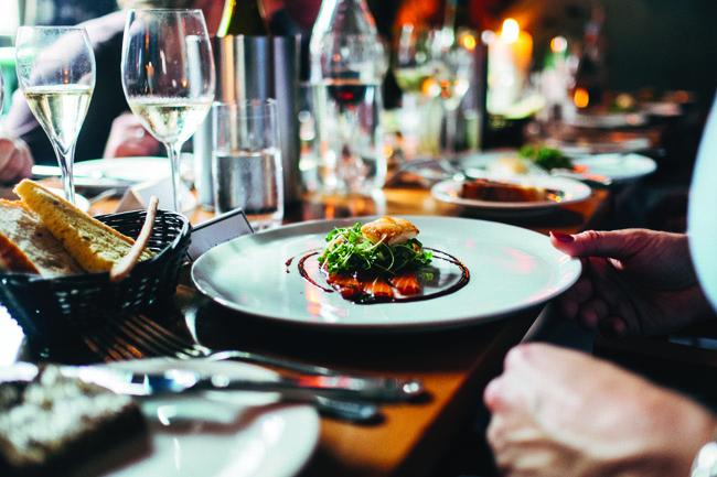 Pour déjeuner et dîner, Villennes vous offre… un choix à la carte !